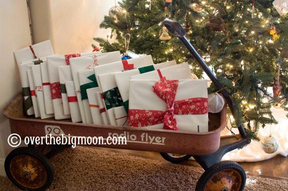 DSC 0145 25 Great Childrens Christmas Books