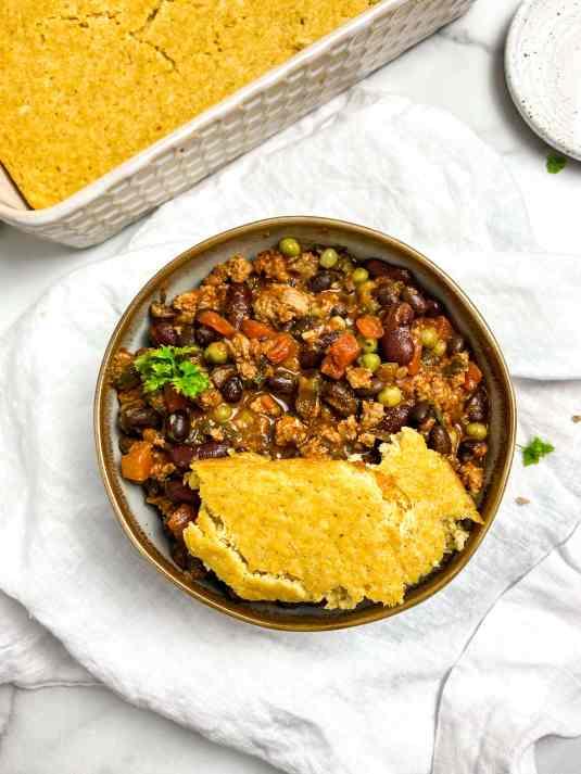 healthy chili and cornbread