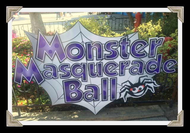 knotts-spooky-farm-monster-masquerade-ball