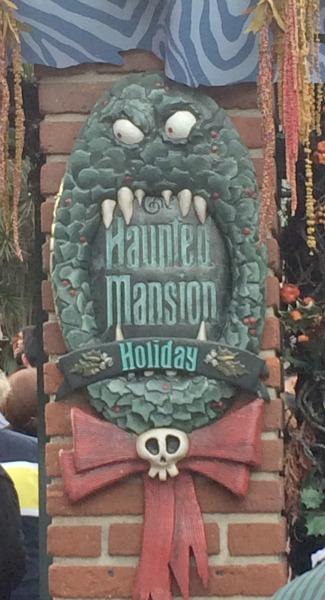 Disney-Holidays-Haunted-Mansion-Holiday