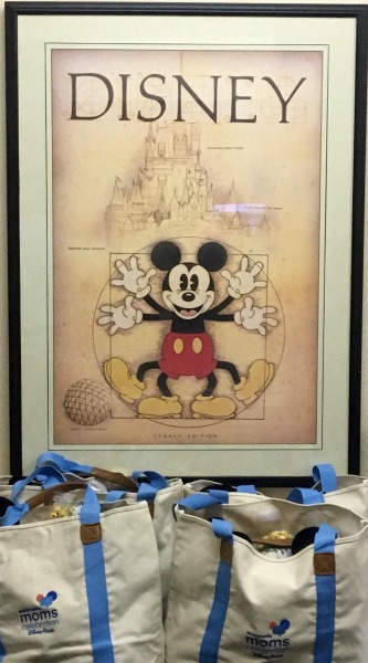 disney-social-media-moms-mickey-art