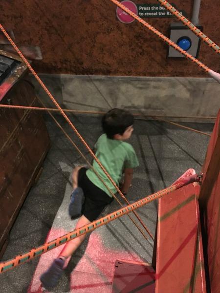 tmnt-climbing