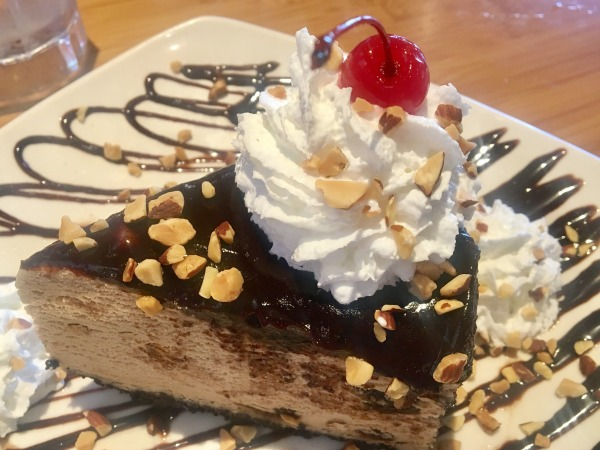 islands-restaurants-kona-pie