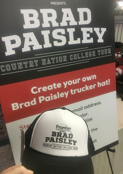 brad-paisley-concert-finished-hat
