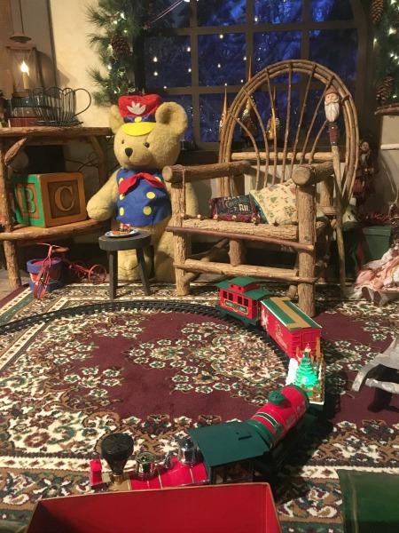 santas-christmas-cabin-toys
