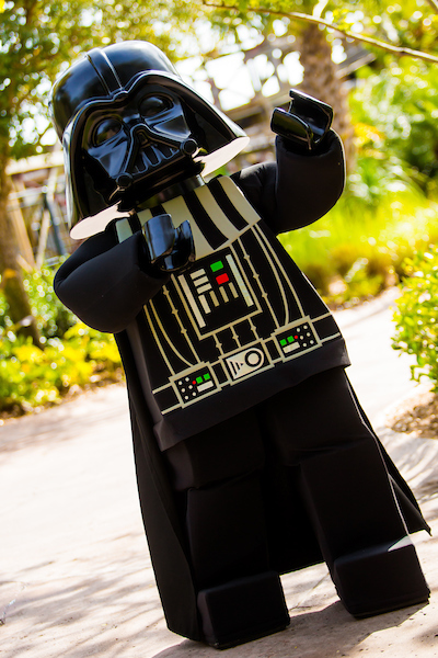 legoland-florida-star-wars-days-darth-vader