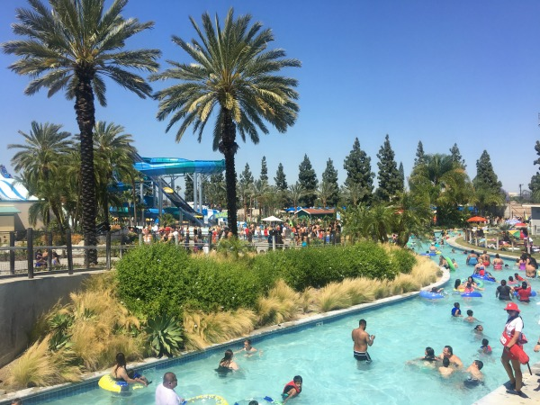 knotts-soak-city-tropical-oasis