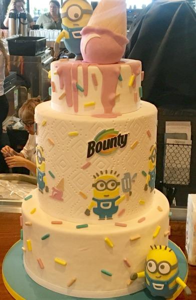 despicable-me-3-cake