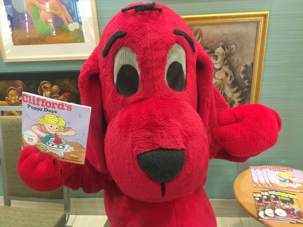 holiday-inn-summer-of-smiles-clifford-1