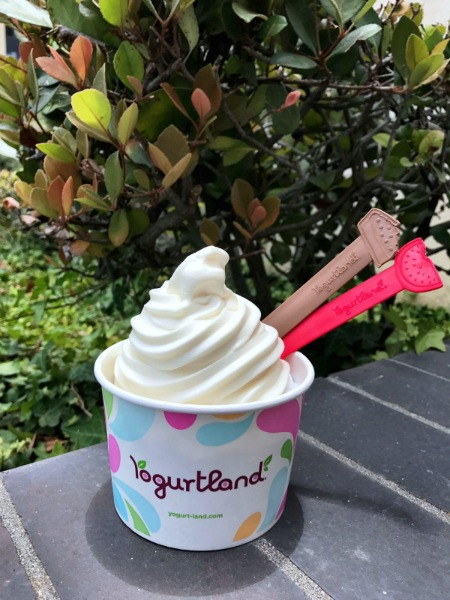yogurtland-summer-spoons