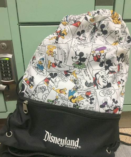 disneyland-backpack-and-locker