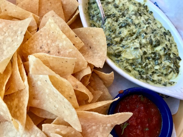 islands-spinach-and-artichoke-dip