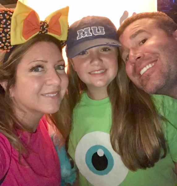 mickeys-not-so-scary-halloween-party-selfie