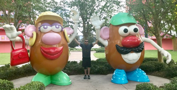disneys-pop-century-mr-and-mrs-potato-head