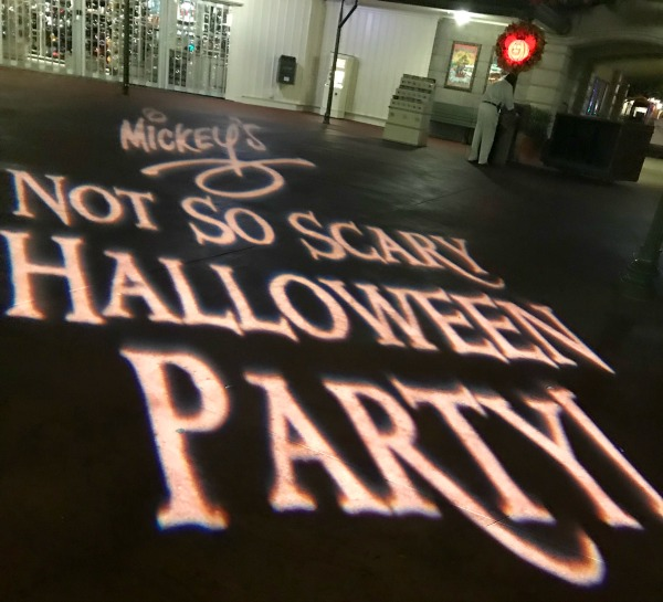 mickeys-not-so-scary-halloween-party-ground-projections