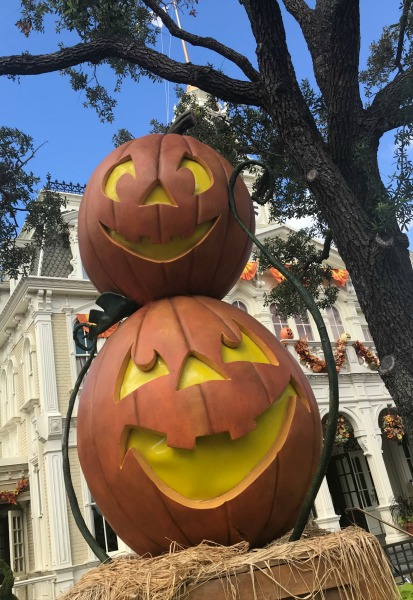 mickeys-not-so-scary-halloween-party-pumpkins-1