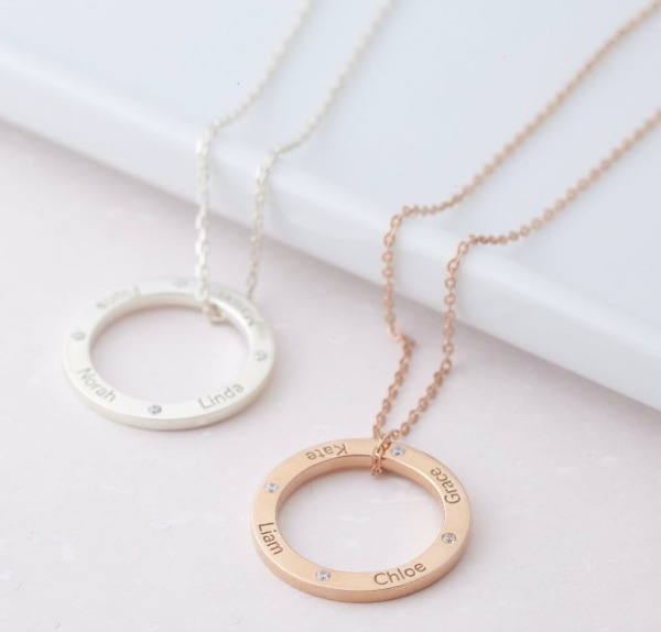mothers-day-necklace-with-names-and-birthstones