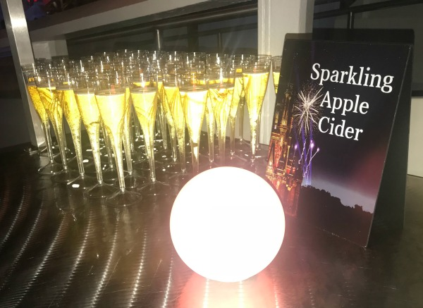 happily-ever-after-dessert-party-sparkling-apple-cider