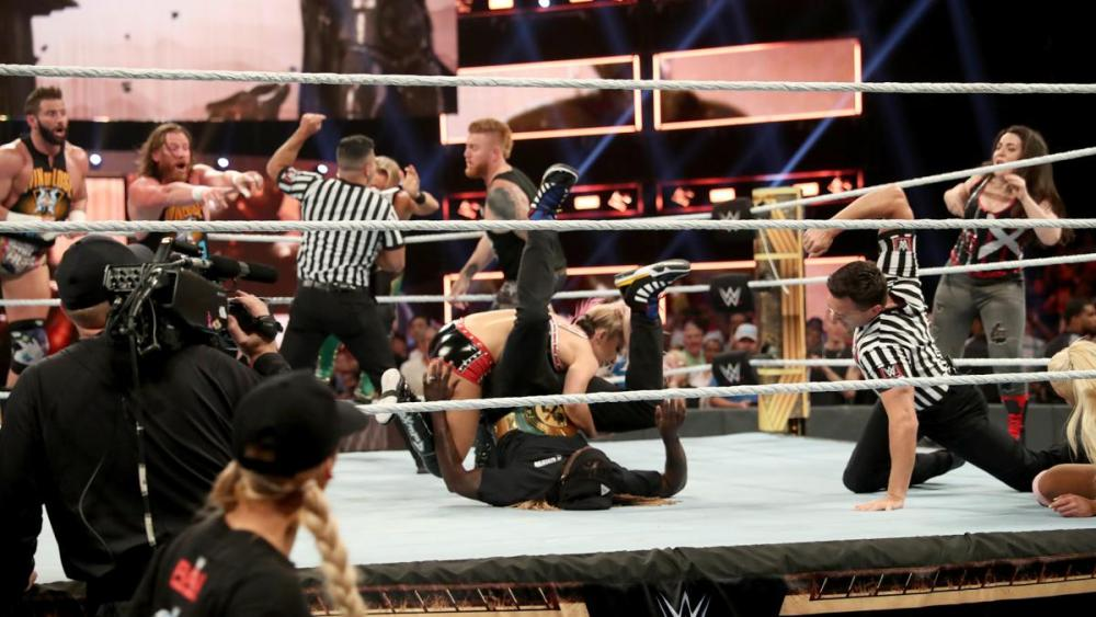 Bliss tries to steal Truth's happiness Clash of CHammpions