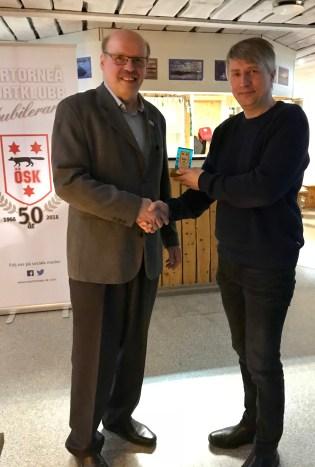 Stefan Wuotila tilldelas ÖSK:s Stora Ledarmärke