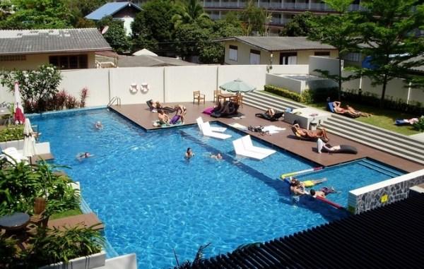 zwembad appartement hua hin