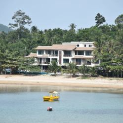 Tiki Koh Samui 2 bedroom apartment with living and balcony