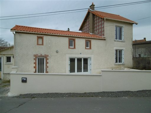 House for Sale in Courlay