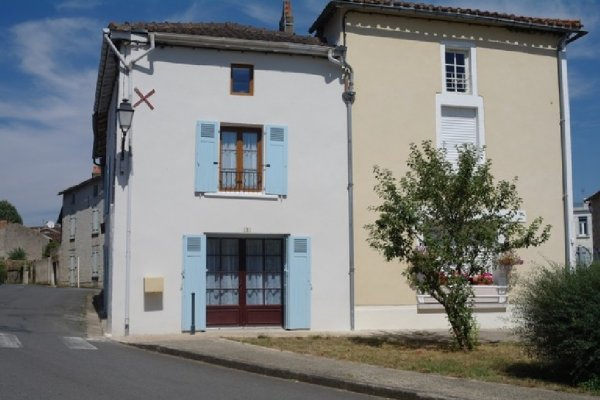 House for Sale in Sanxay, Poitou-Charentes, France