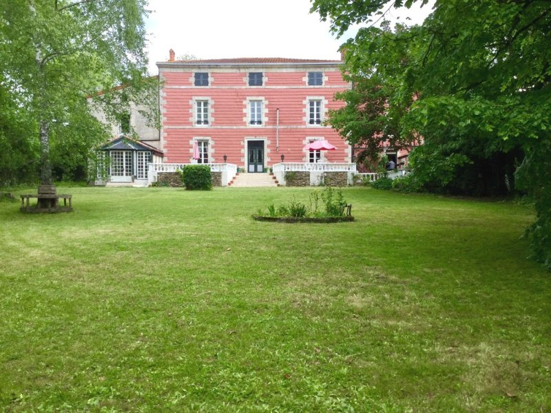 House for Sale in Mazieres-En-Gatine