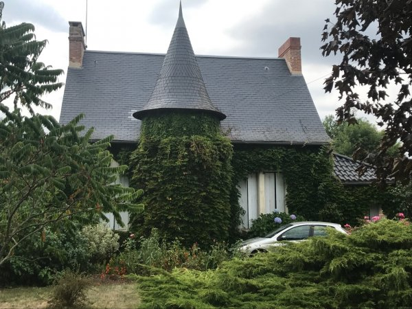 House for Sale in Saint-Laurs