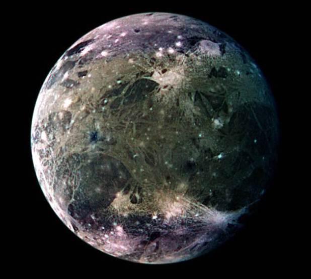 Hubble da NASA encontra evidência de vapor d'água em lua de Júpiter