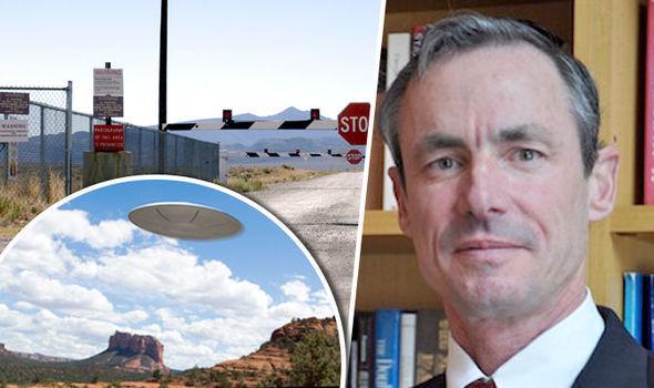"""""""Levem a sério os relatórios de OVNIs"""", diz ex-oficial de defesa dos EUA"""