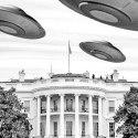 Os alienígenas causaram a morte de Kennedy, e outras histórias interessantes sobre OVNIs vs. EUA 1