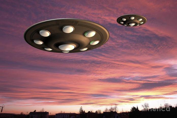 """Mais de 1.000 OVNIs foram """"pegos"""" voando sobre Madri, Espanha"""