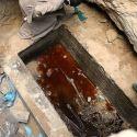 Acredite: Tem gente querendo beber a água do sarcófago recém aberto 1
