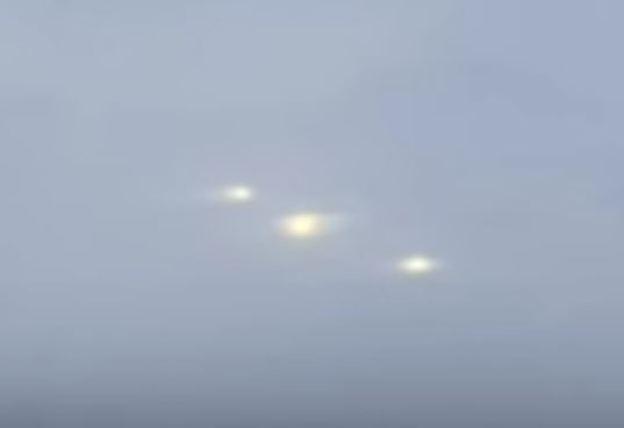 Seriam os OVNIs feitos pelo homem para ocultar a presença alienígena?