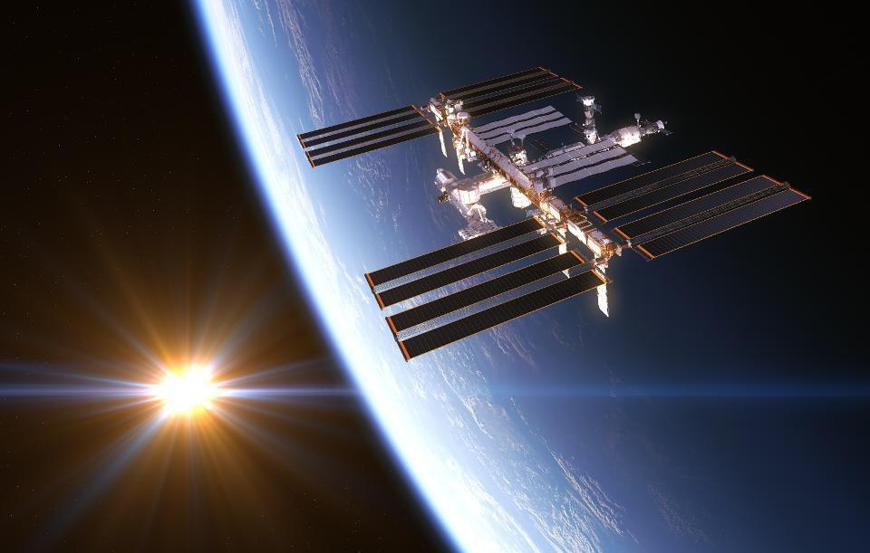 Estação Espacial Internacional gira fora de controle