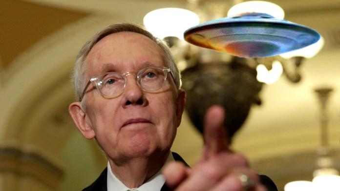 Ex- senador diz que alienígenas são reais e diz aos políticos para não temerem