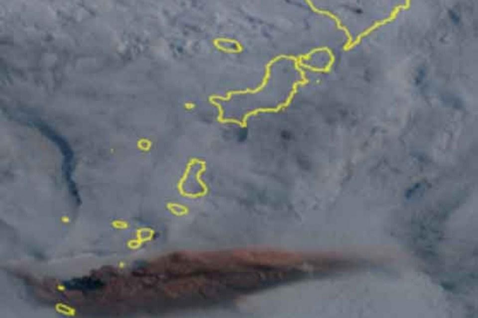 O vulcão russo entra em erupção sem aviso - Nuvem de cinzas em direção aos EUA e Canadá