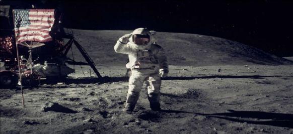 Neil Armstrong escondeu este objeto durante o pouso na Lua