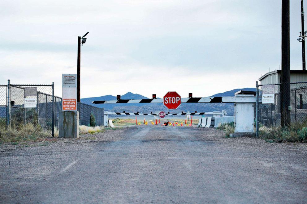 Área militar secreta nos EUA se prepara para invasão - Condado pode declarar estado de emergência