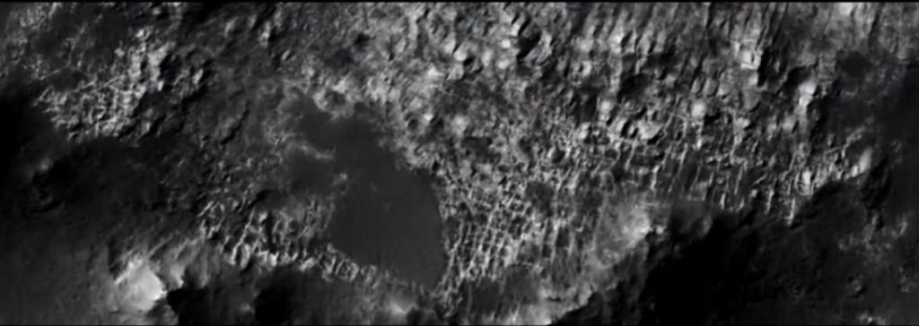 Estaria esta foto da NASA mostrando ruínas de uma cidade em Marte?