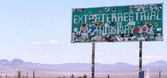 """Placa """"Extraterrestrial Highway"""" é retirada pelas autoridades"""