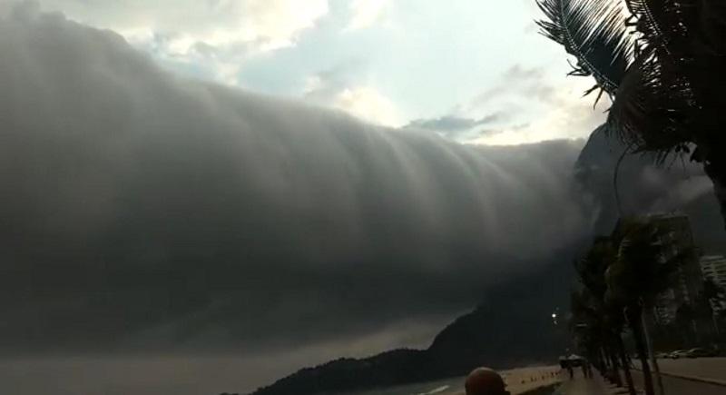 Nuvem estranha assusta banhistas em praia do Rio de Janeiro - Brasil