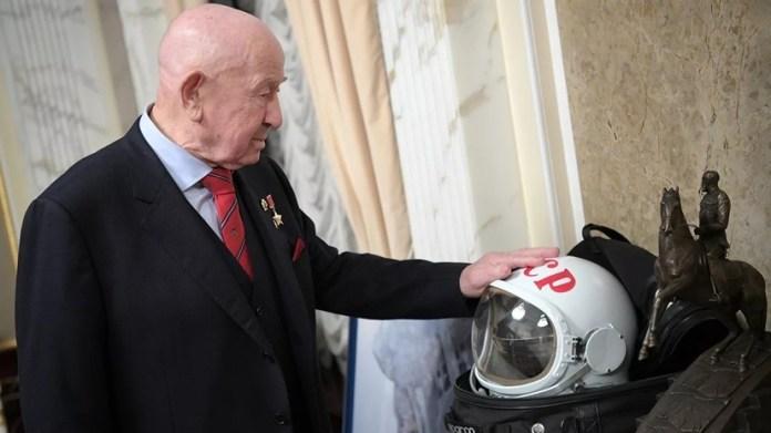 Morre primeiro homem a fazer caminhada espacial