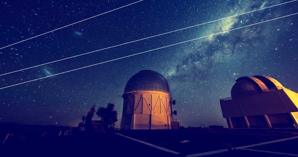 Astrônomos reclamam que os satélites da SpaceX estão bloqueando a visão das estrelas