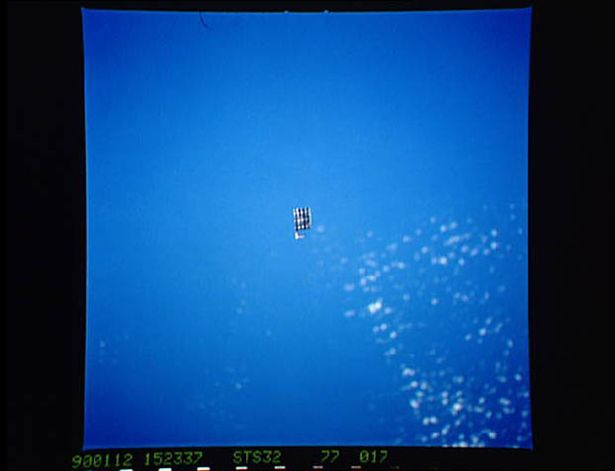 """NASA admite que objetos misteriosos filmados no espaço são """"desconhecidos"""""""