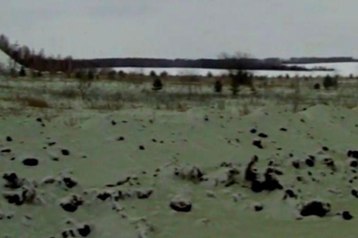Neve verde cai em cidade russa já aterrorizada por meteoro