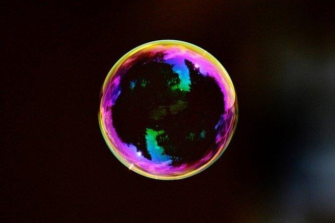 """""""Bolhas de nada"""" estão comendo espaço-tempo e destruindo o universo"""