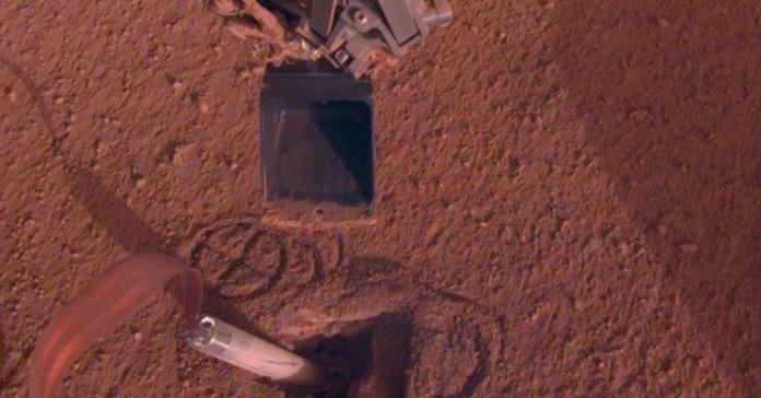 NASA consertou sonda em Marte, fazendo-a se bater com pá